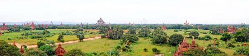 Vista cênico de templos budistas em Bagan, Myanmar fotos de stock royalty free