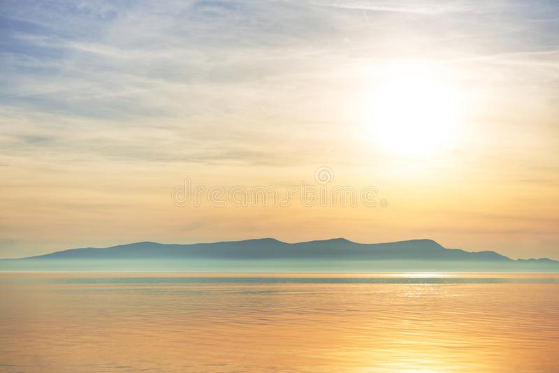 Vista cênico de uma ilha pequena imagem de stock royalty free