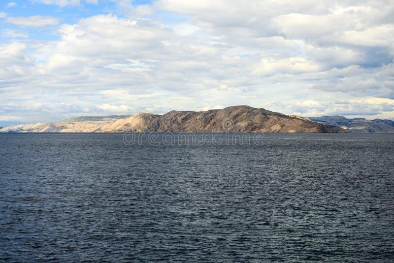 Vista cênico de uma ilha pequena imagem de stock