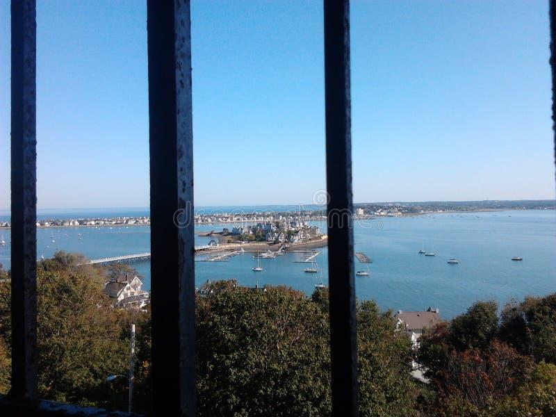 Vista cênico do oceano e da terra fotos de stock