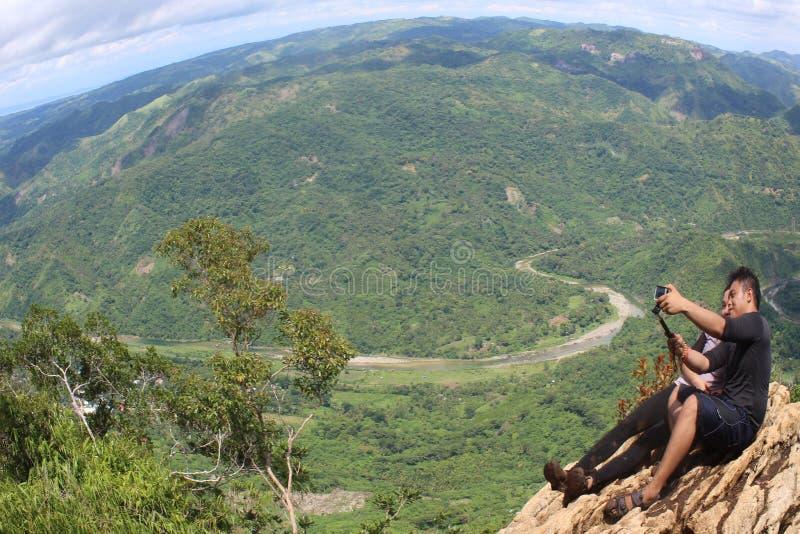 Vista cênico do pico da montanha imagem de stock
