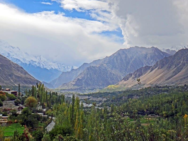 Vista cênico do vale de Hunza em Paquistão fotos de stock royalty free