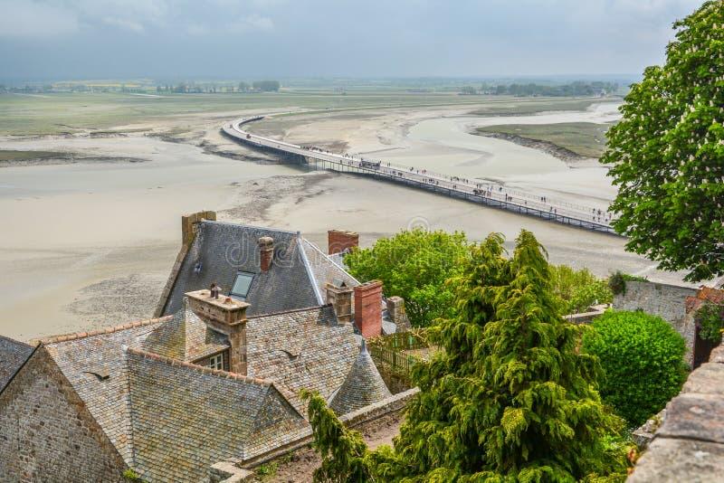 Vista cênico em Mont Saint Michel, Normandy, França imagens de stock