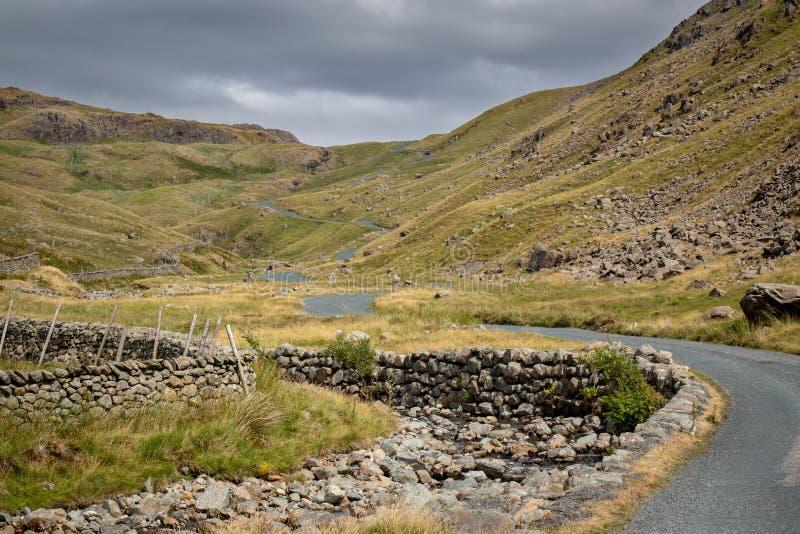 Vista cênico impressionante para a passagem de Wrynose em Cumbria, Distr do lago imagens de stock royalty free