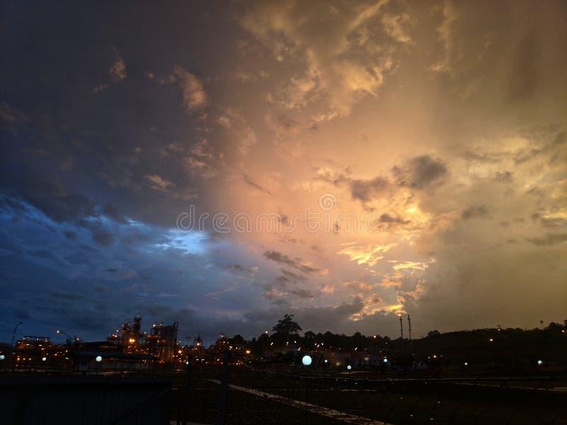 Vista calda & fredda di zona due di tramonto fotografie stock libere da diritti