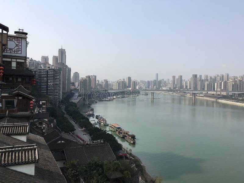 Vista cinese del fiume e della città immagine stock libera da diritti