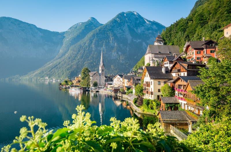 Vista clásica de Hallstatt en verano, Austria imagen de archivo libre de regalías