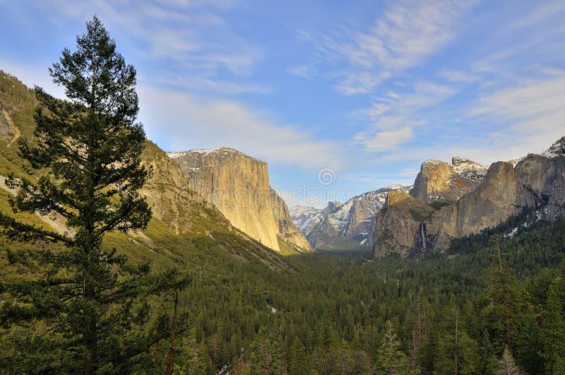 Vista classica del traforo del Yosemite immagine stock