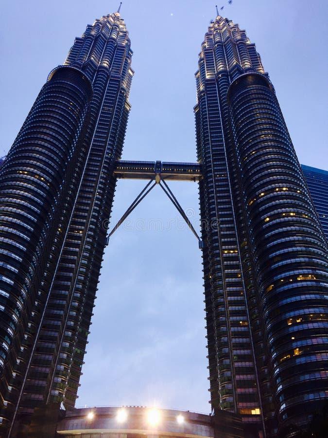 Vista completa della torre gemella fotografia stock libera da diritti