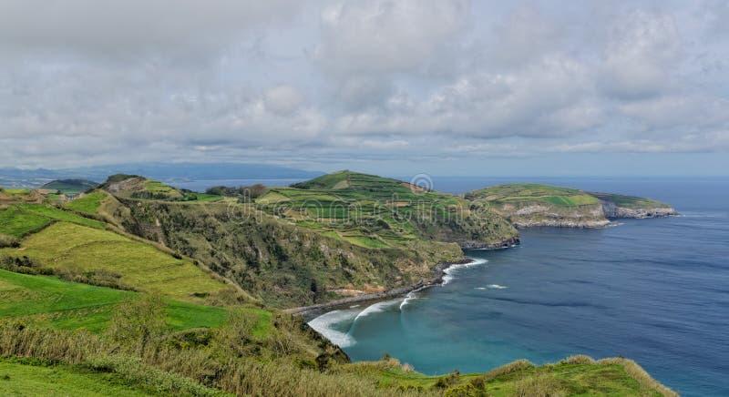 Vista costiera a Santa Iria in sao Miguel Island, Azzorre, Portogallo immagini stock libere da diritti