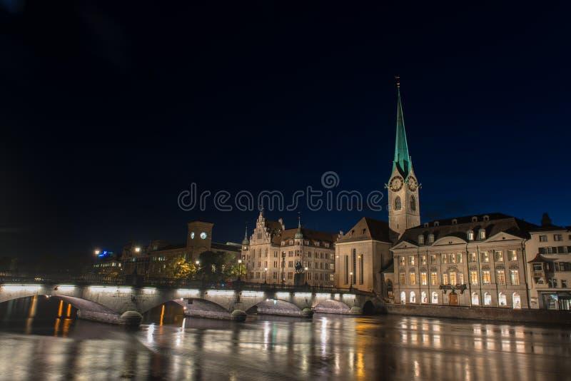 Vista crepuscolare di Zurigo immagini stock libere da diritti
