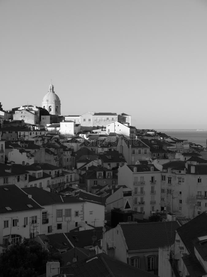 Vista da Alfama a Lisbona immagine stock