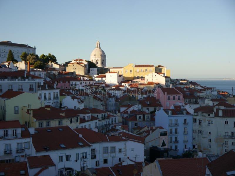 Vista da Alfama a Lisbona fotografie stock