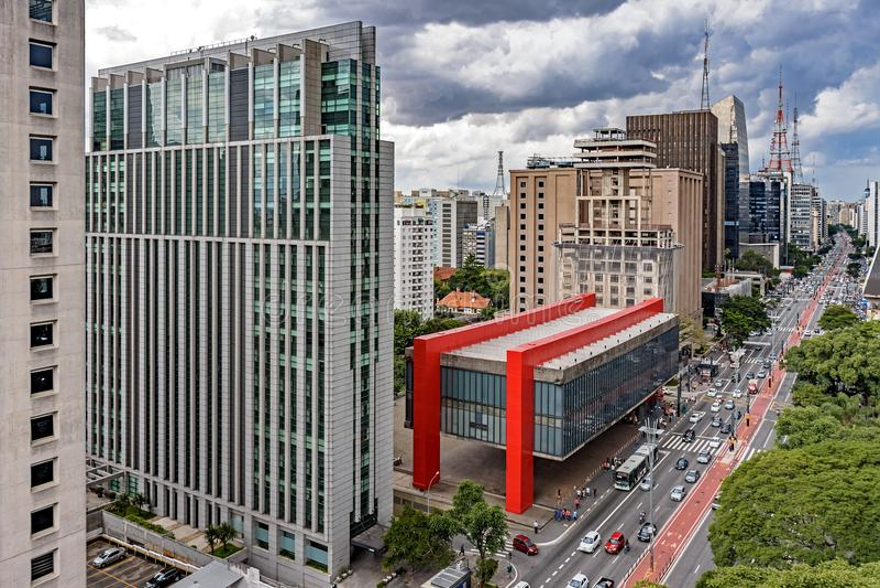 Vista da avenida famosa de Paulista imagem de stock royalty free