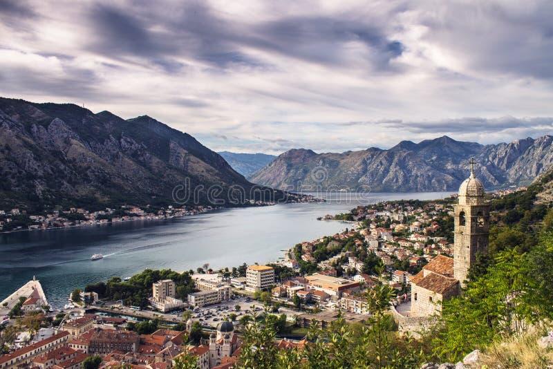 Vista da baía de Kotor Montenegro, Balcãs fotos de stock