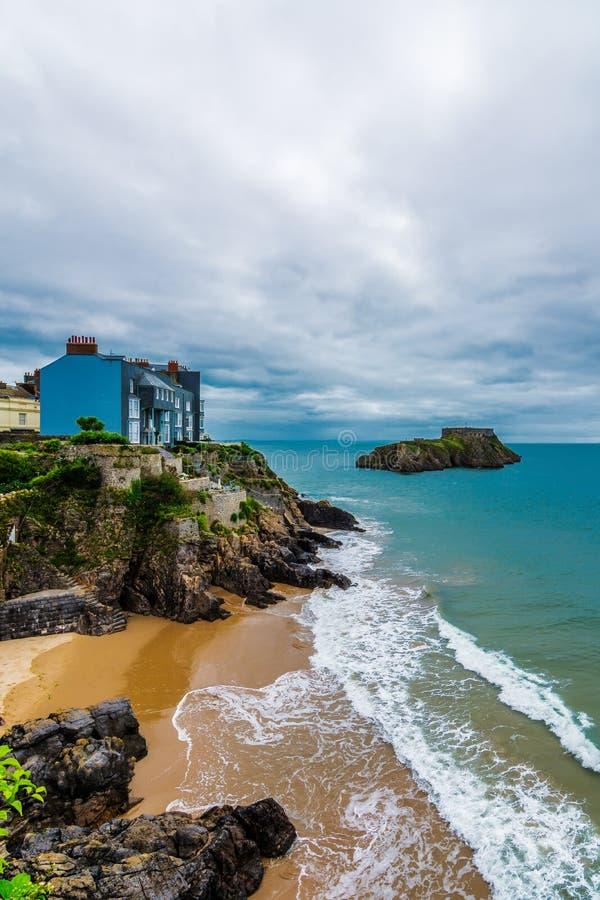 Vista da baía sul em Tenby, Gales imagens de stock