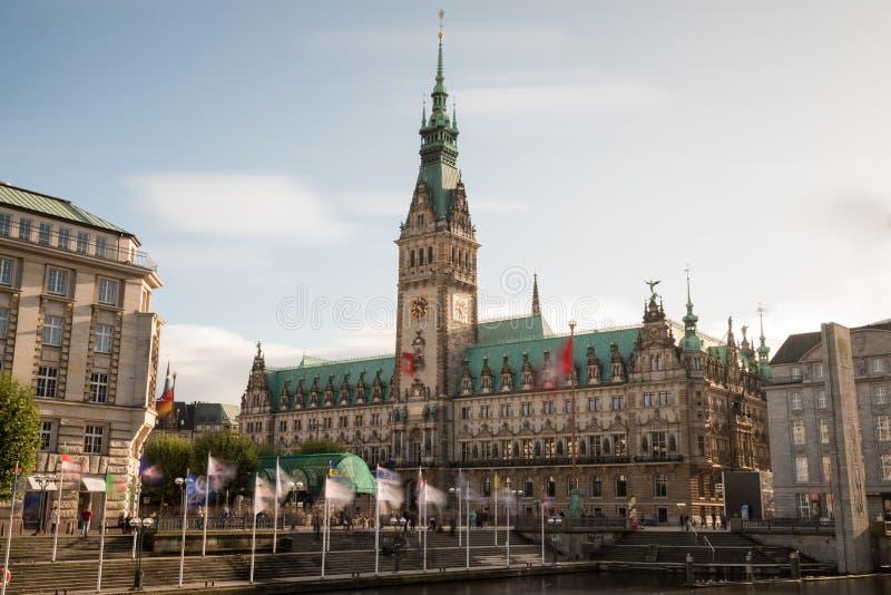 Vista da câmara municipal de Hamburgo foto de stock royalty free
