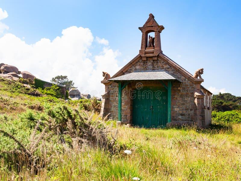 Vista da casa bretão em de estilo celta em Ploumanach fotografia de stock
