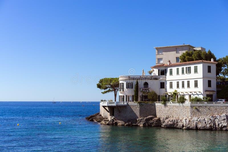 Vista da casa do mar do céu do hotel da praia fotografia de stock