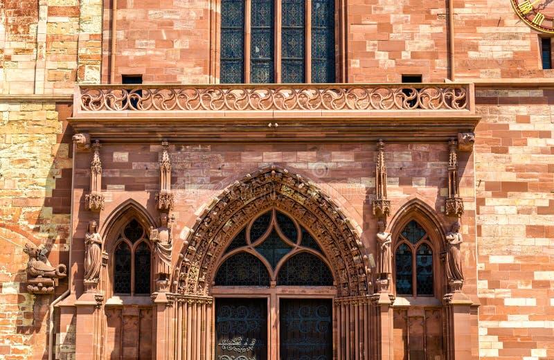 Vista da catedral da igreja de Basileia fotografia de stock