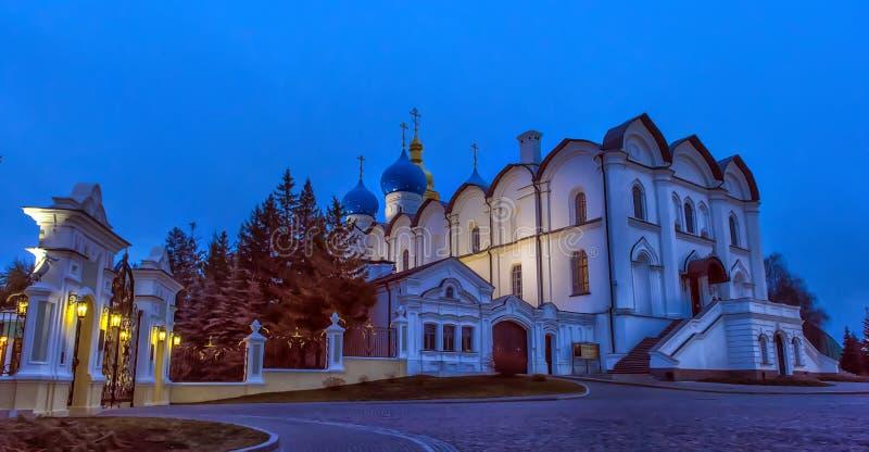 Vista da catedral do aviso da noite de maio Kaza foto de stock