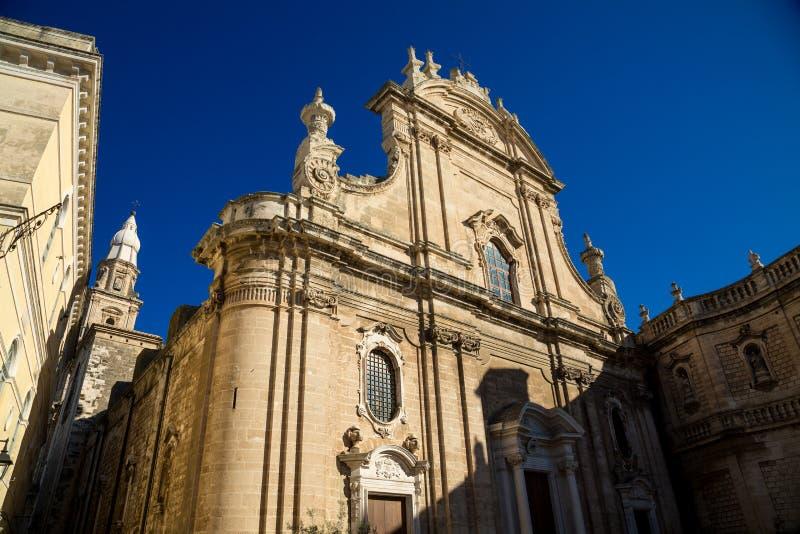 Vista da catedral Maria Santissima della Madia Monopoli, região Puglia, Itália imagens de stock royalty free