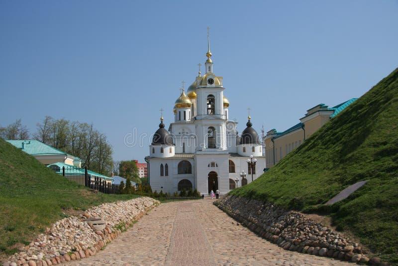 Vista da catedral no Kremlin do ` s de Dmitrov, Rússia foto de stock royalty free