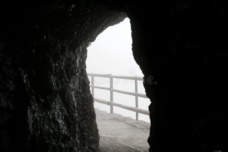 Vista da caverna imagens de stock