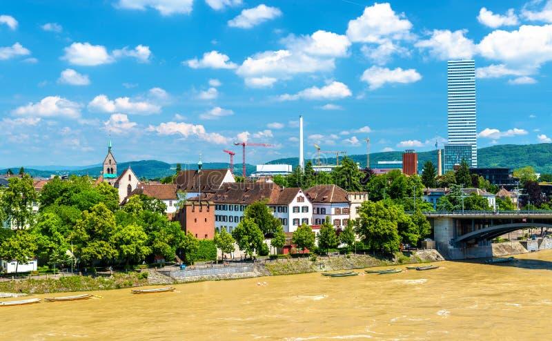 Vista da cidade de Basileia com o Reno foto de stock