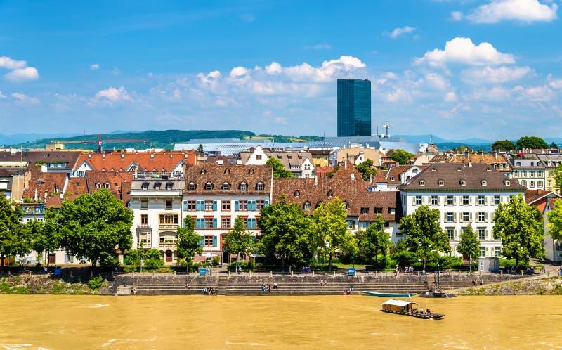 Vista da cidade de Basileia com o Reno fotografia de stock royalty free
