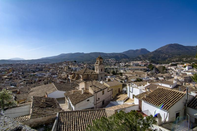 Vista da cidade de Caravaca de la Cruz situada na Espanha de Múrcia imagem de stock
