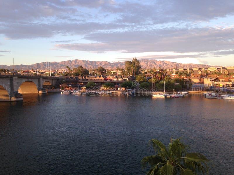 Vista da cidade de Lake Havasu imagens de stock