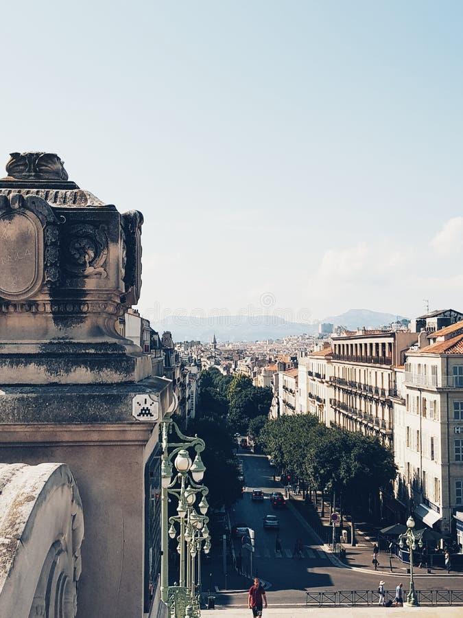 Vista da cidade de Marselha, do estação de caminhos de ferro fotos de stock