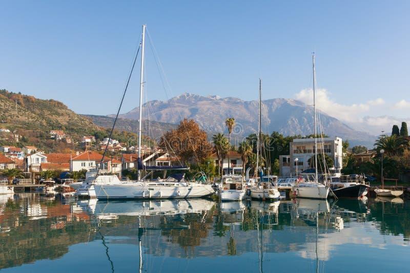 Vista da cidade de Tivat, Montenegro fotografia de stock