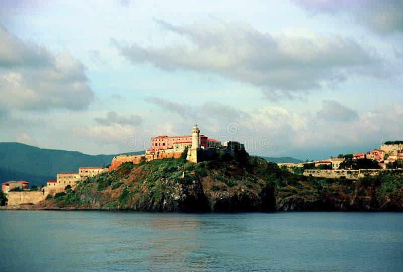 Vista da cidade em Elba Island, Itália fotos de stock