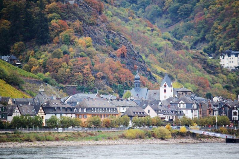 Vista da cidade no vale do Reno do rio, Alemanha de Kaub fotos de stock