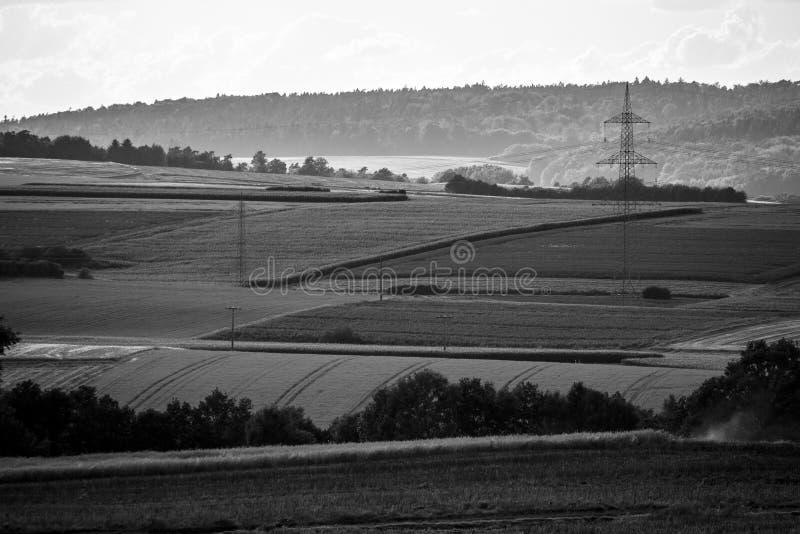 Vista da cidade pequena de Neustadt, de um subúrbio e de terra agrícola circunvizinha foto de stock