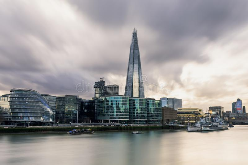 Vista da cidade da ponte da torre - Londres fotografia de stock