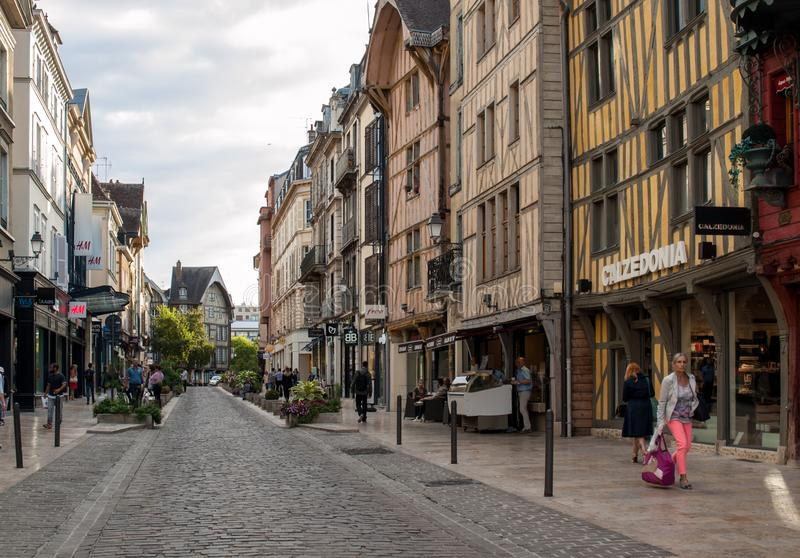 Vista da cidade velha em Troyes - capital do departamento de Aube na região de Champagne france fotografia de stock royalty free