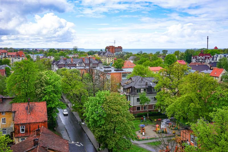 Vista da cidade Zelenogradsk de uma altura fotografia de stock royalty free