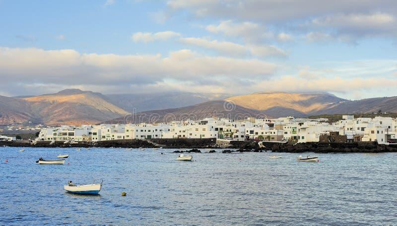 Download Hiuses Brancos Da Cidade De Arrieta, Ilha De Lanzarote, Ilhas Canárias, Foto de Stock - Imagem de nave, canário: 29840224