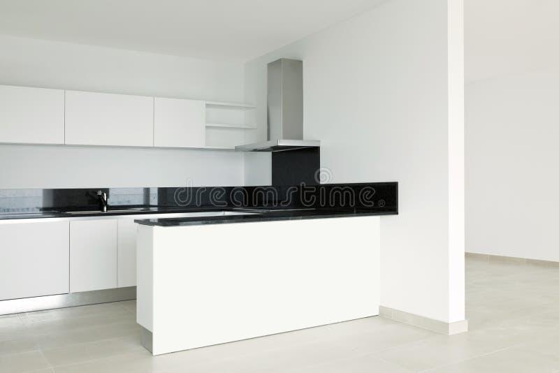 Vista da cozinha branca imagens de stock