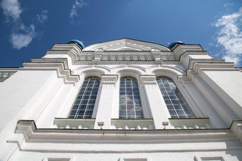 Vista da fachada da parte inferior da catedral de Iversky no monastério do St Nicholas-Perervinsky em Moscou fotografia de stock