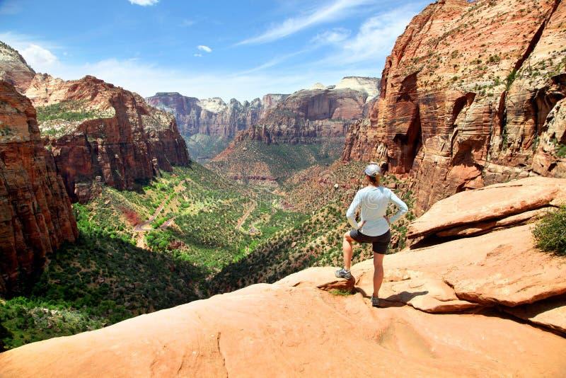 A vista da garganta negligencia em Zion National Park fotografia de stock