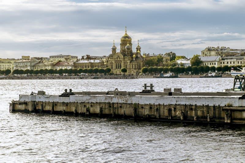 Vista da igreja da suposição da Virgem Maria abençoada fotografia de stock royalty free