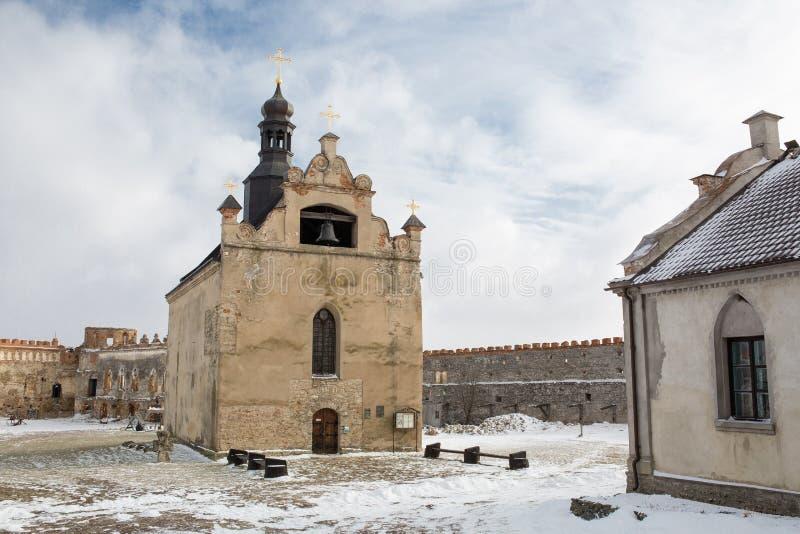 Vista da igreja em Medzhibozh imagens de stock