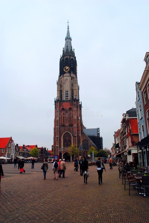 Vista da igreja nova, louça de Delft quadrada principal Países Baixos fotografia de stock royalty free
