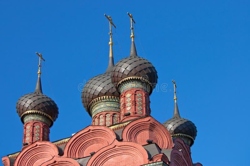 Vista da igreja velha em Yaroslavl fotografia de stock royalty free