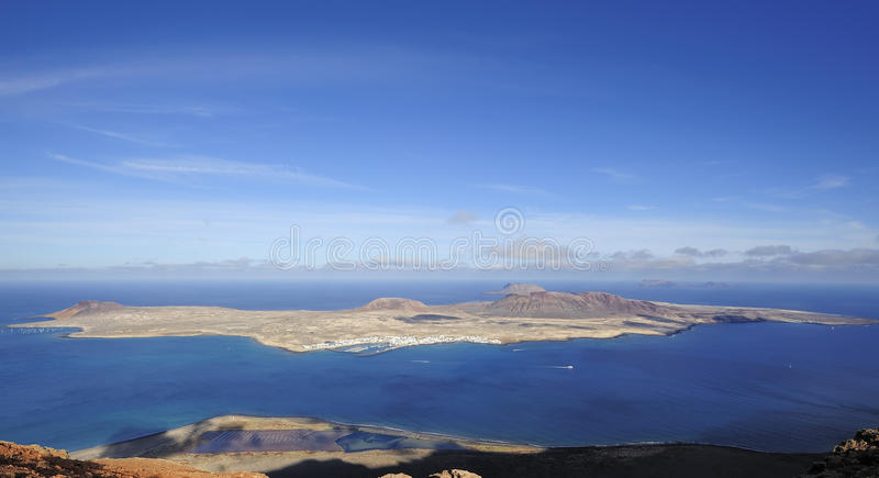 Download Vista Da Ilha De Graciosa Do Del Rio De Mirador, Ilha De Lanzarote Imagem de Stock - Imagem de montanha, nave: 29840101