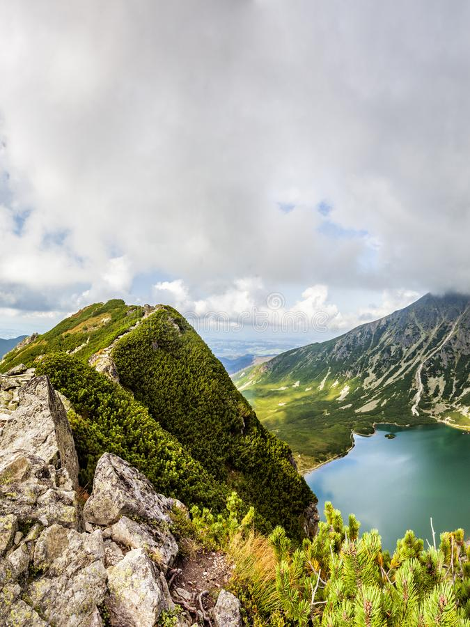 Vista da Krab in montagne di Tatra, Polonia, Europa fotografia stock libera da diritti